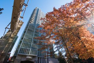 "Photo 20: 903 930 CAMBIE Street in Vancouver: Yaletown Condo for sale in ""PACIFIC PLACE LANDMARK II"" (Vancouver West)  : MLS®# R2422191"