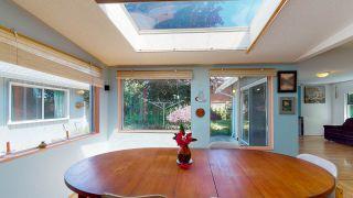 "Photo 4: 5824 MEDUSA Street in Sechelt: Sechelt District House for sale in ""DOWNTOWN"" (Sunshine Coast)  : MLS®# R2458155"