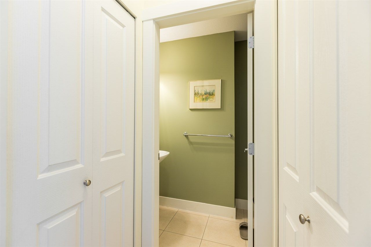 """Photo 13: Photos: 971 WESTBURY Walk in Vancouver: South Cambie Townhouse for sale in """"Churchill Gardens"""" (Vancouver West)  : MLS®# R2488294"""