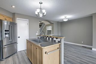 Photo 10: 105 Prestwick Heights SE in Calgary: McKenzie Towne Detached for sale : MLS®# A1126411