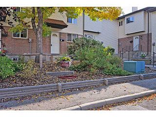 Photo 1: 48 32 WHITNEL Court NE in CALGARY: Whitehorn Townhouse for sale (Calgary)  : MLS®# C3541132
