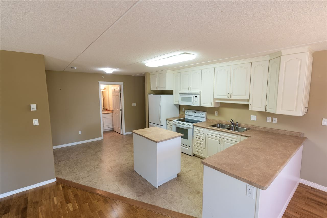 Main Photo: 208 4707 51 Avenue: Wetaskiwin Condo for sale : MLS®# E4232125