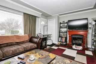 Photo 3: 46626 FRASER Avenue in Chilliwack: Chilliwack E Young-Yale House for sale : MLS®# R2565870