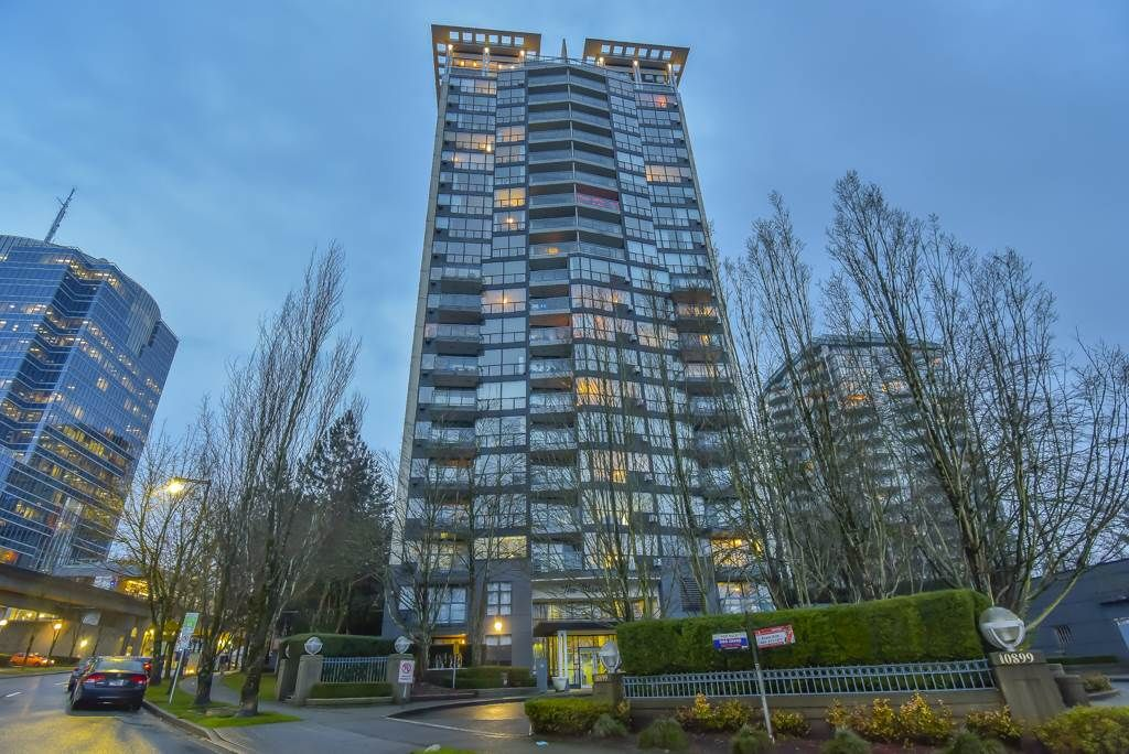 Main Photo: 1706 10899 UNIVERSITY DR. Drive in Surrey: Whalley Condo for sale (North Surrey)  : MLS®# R2562605