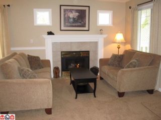"Photo 3: # 52 20761 TELEGRAPH TR in Langley: Walnut Grove Condo for sale in ""Woodbridge"" : MLS®# F1008855"