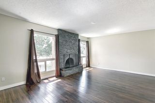 Photo 5: 2544 106 Avenue SW in Calgary: Cedarbrae Detached for sale : MLS®# A1102997
