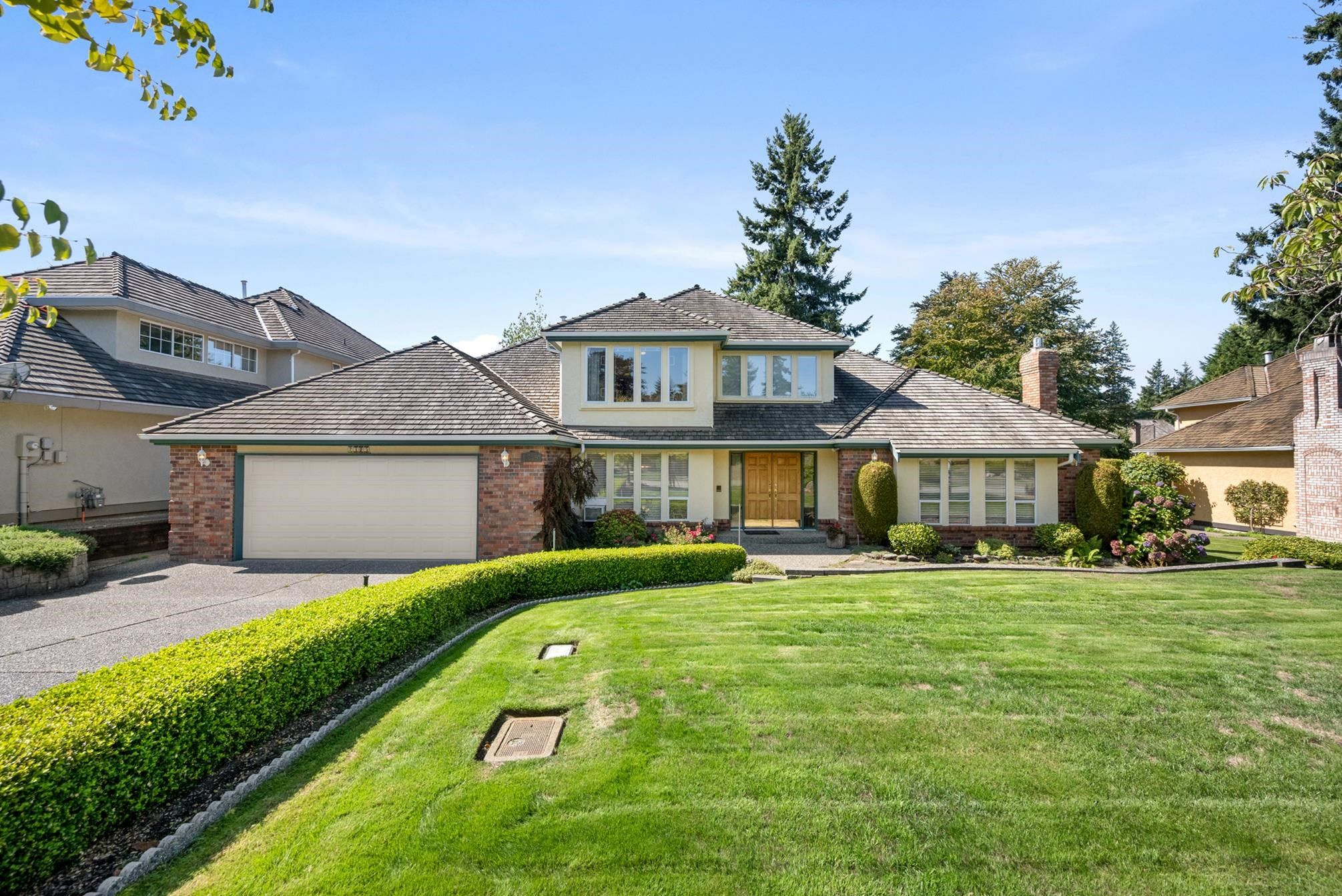 """Main Photo: 2305 131A Street in Surrey: Elgin Chantrell House for sale in """"Huntington Park"""" (South Surrey White Rock)  : MLS®# R2617138"""