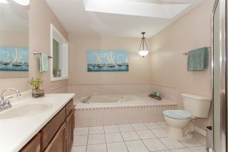 Photo 10: 2986 GLENCOE Place in Abbotsford: Abbotsford East House for sale : MLS®# R2209477