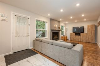 """Photo 17: 10248 159A Street in Surrey: Guildford House for sale in """"Somerset"""" (North Surrey)  : MLS®# R2533227"""
