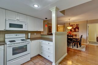 """Photo 18: 103 1745 MARTIN Drive in White Rock: Sunnyside Park Surrey Condo for sale in """"SOUTH WYND"""" (South Surrey White Rock)  : MLS®# R2617912"""