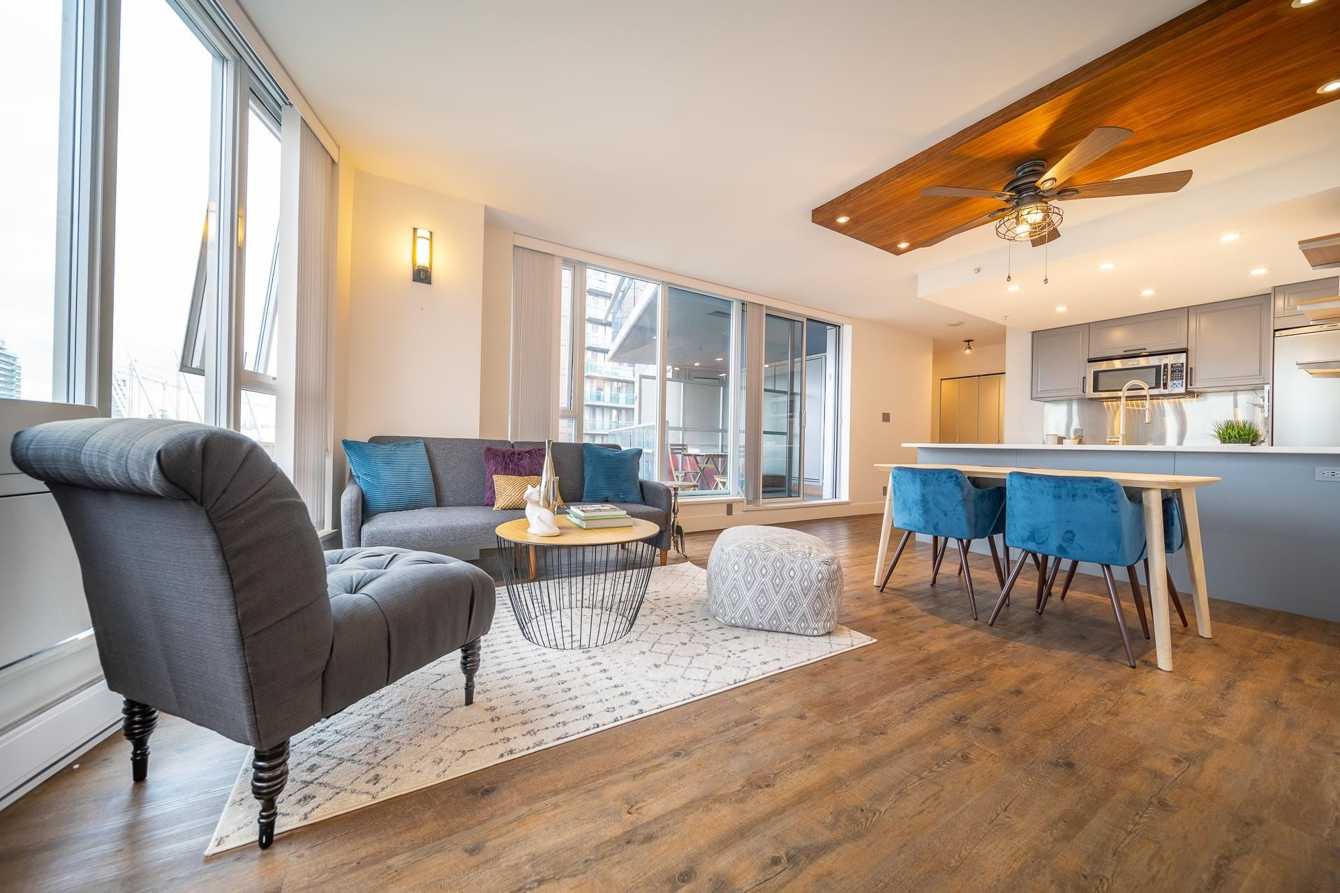 Main Photo: 1709 788 HAMILTON STREET in Vancouver: Downtown VW Condo for sale (Vancouver West)  : MLS®# R2613134