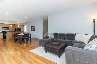 Photo 3: 3690 Ridge Pond Dr in VICTORIA: La Happy Valley House for sale (Langford)  : MLS®# 764828