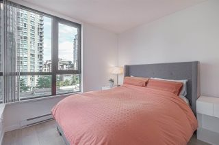 "Photo 6: 701 928 HOMER Street in Vancouver: Yaletown Condo for sale in ""YALETOWN PARK 1"" (Vancouver West)  : MLS®# R2395020"