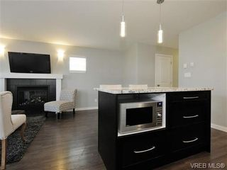 Photo 7: 3378 Hazelwood Rd in VICTORIA: La Luxton House for sale (Langford)  : MLS®# 742157