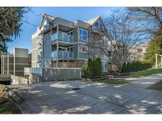 """Photo 1: 104 518 THIRTEENTH Street in New Westminster: Uptown NW Condo for sale in """"COVENTRY COURT"""" : MLS®# R2443771"""