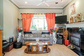 Photo 3: 3316 E 29 Avenue in Vancouver: Collingwood VE House for sale (Vancouver East)  : MLS®# R2232236