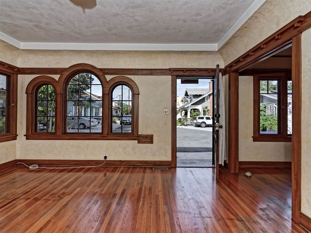 Main Photo: MISSION HILLS House for sale : 4 bedrooms : 3825 Eagle St in San Diego