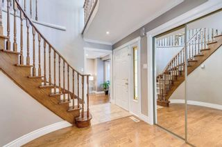 Photo 2: 2116 Eighth Line in Oakville: Iroquois Ridge North House (2-Storey) for sale : MLS®# W5251973