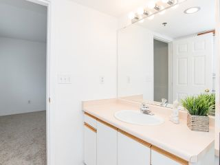 """Photo 22: 102 5955 177B Street in Surrey: Cloverdale BC Condo for sale in """"Windsor Place"""" (Cloverdale)  : MLS®# R2617210"""