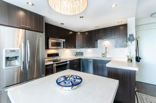 """Photo 6: 1001 145 ST. GEORGES Avenue in North Vancouver: Lower Lonsdale Condo for sale in """"Talisman Tower"""" : MLS®# R2585607"""