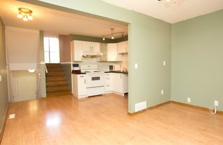 """Photo 3: 275 BALMORAL PL in Port Moody: North Shore Pt Moody Townhouse for sale in """"BALMORAL PLACE"""" : MLS®# V996164"""