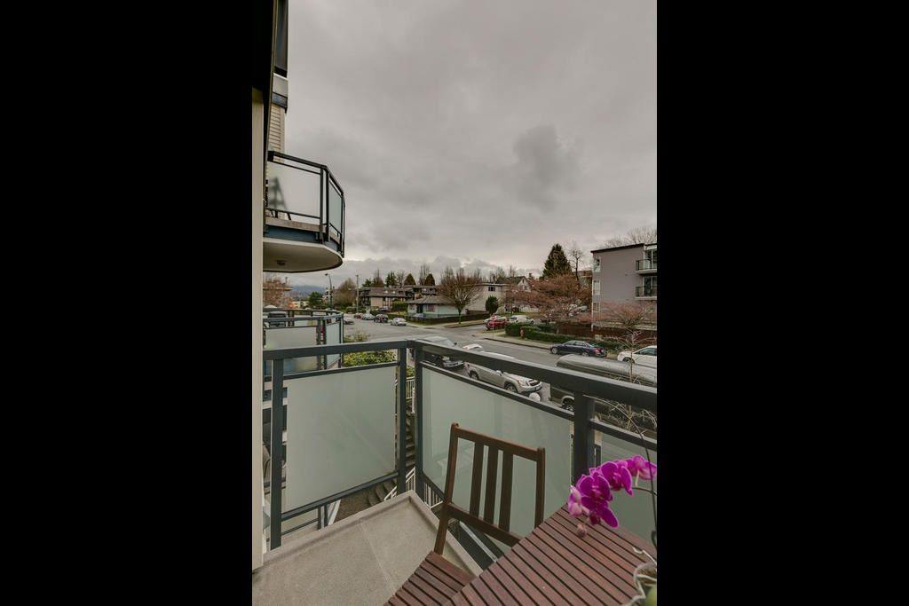 """Photo 18: Photos: 306 33 TEMPLETON Avenue in Vancouver: Hastings Condo for sale in """"North Templeton"""" (Vancouver East)  : MLS®# R2149760"""