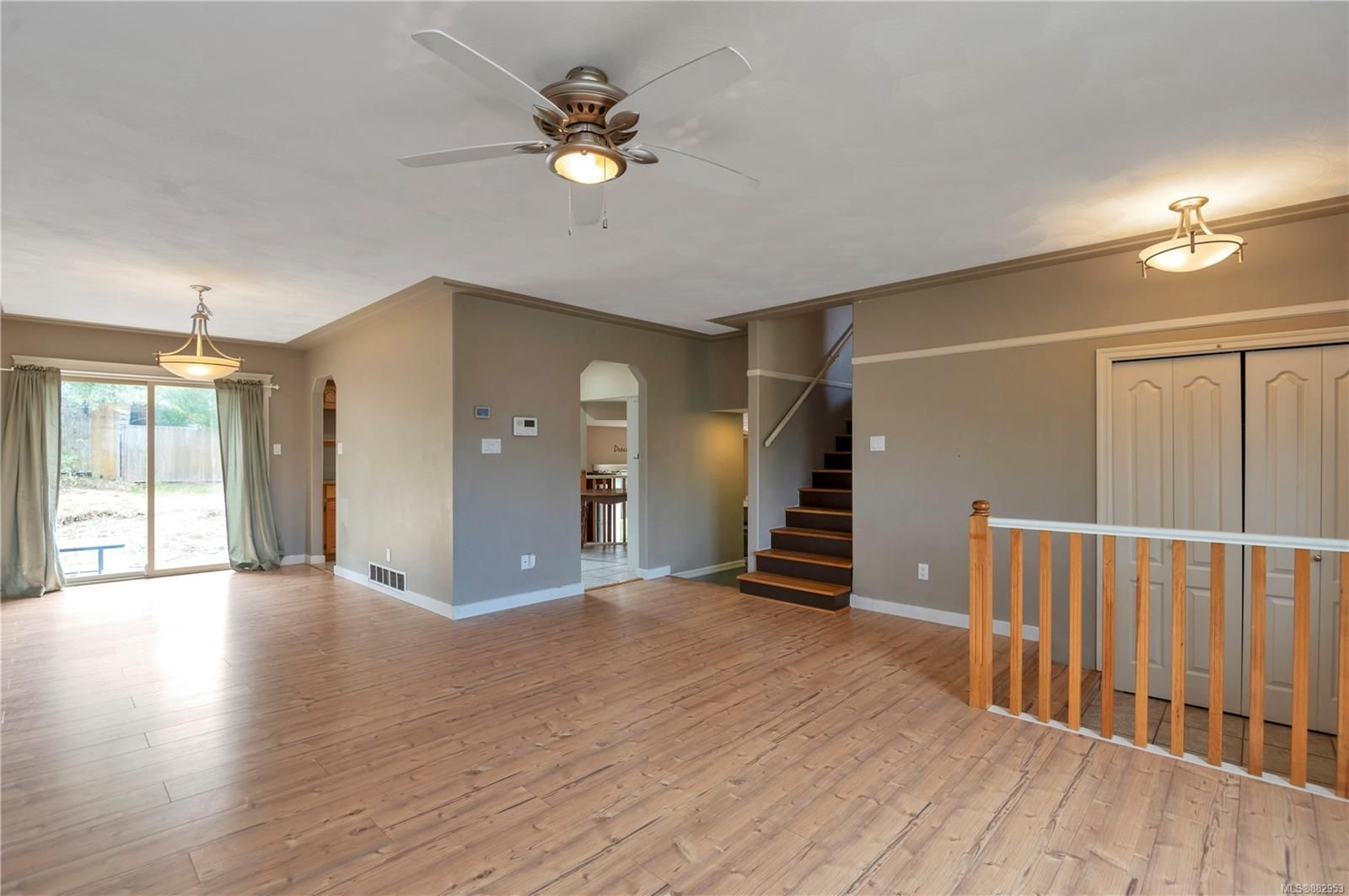 Photo 12: Photos: 732 Oribi Dr in : CR Campbell River Central House for sale (Campbell River)  : MLS®# 882953
