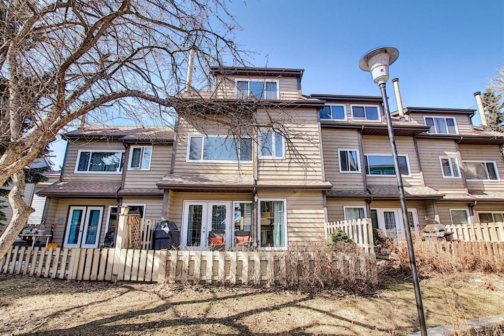 Main Photo: 4 95 Grier Place NE in Calgary: Greenview Row/Townhouse for sale : MLS®# A1080307