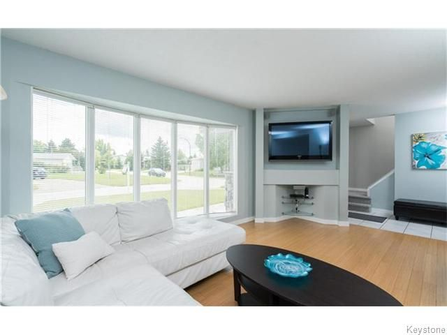 Photo 5: Photos: 120 Brookhaven Bay in Winnipeg: Southdale Residential for sale (2H)  : MLS®# 1622301
