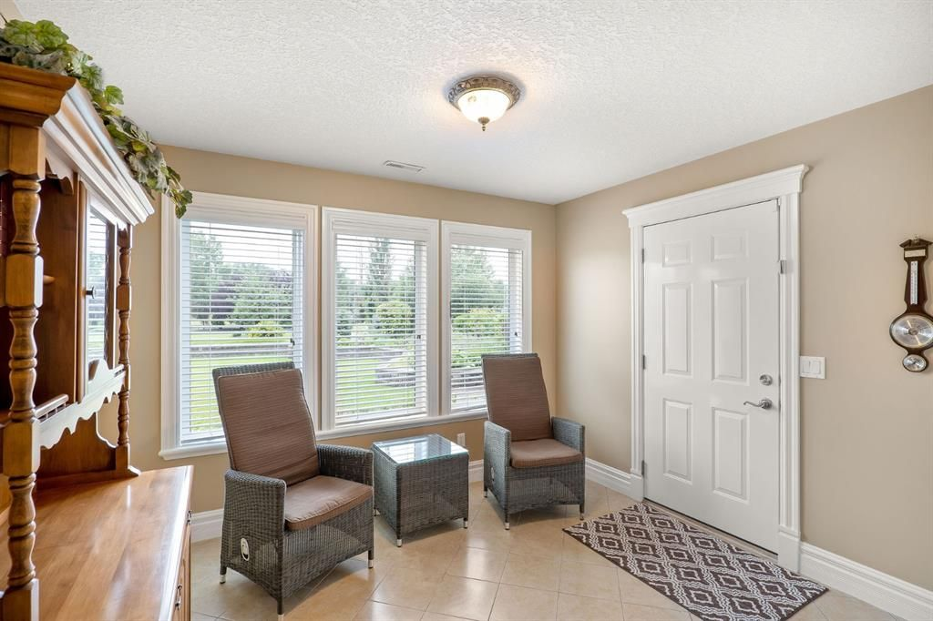 Photo 30: Photos: 15 Lynx Meadows Drive NW: Calgary Detached for sale : MLS®# A1139904