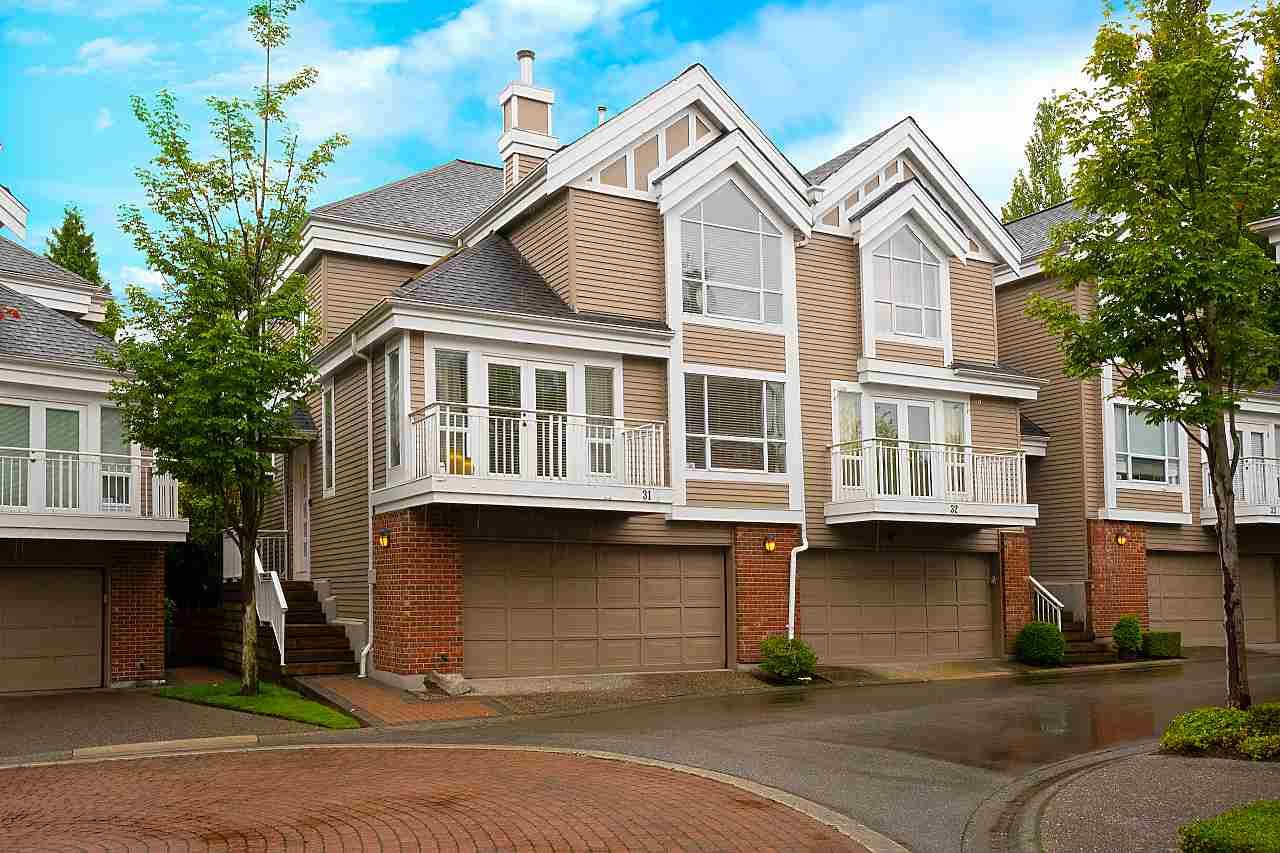 """Main Photo: 31 5760 HAMPTON Place in Vancouver: University VW Townhouse for sale in """"West Hampstead"""" (Vancouver West)  : MLS®# R2408447"""