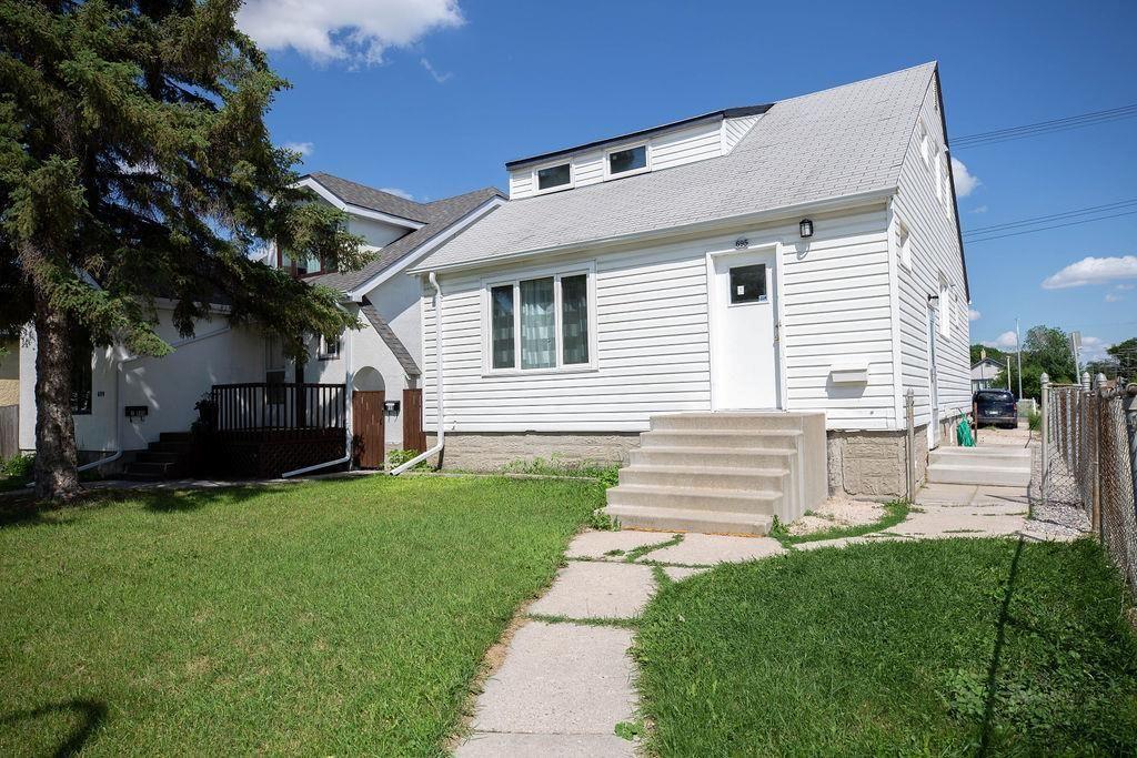 Main Photo: 695 Garfield Street North in Winnipeg: West End Residential for sale (5C)  : MLS®# 202015307