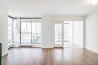 """Photo 3: 805 980 COOPERAGE Way in Vancouver: Yaletown Condo for sale in """"COOPERS POINTE by Concord Pacific"""" (Vancouver West)  : MLS®# R2614161"""