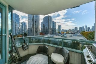 "Photo 12: 401 888 HAMILTON Street in Vancouver: Downtown VW Condo for sale in ""ROSEDALE GARDEN"" (Vancouver West)  : MLS®# R2215482"