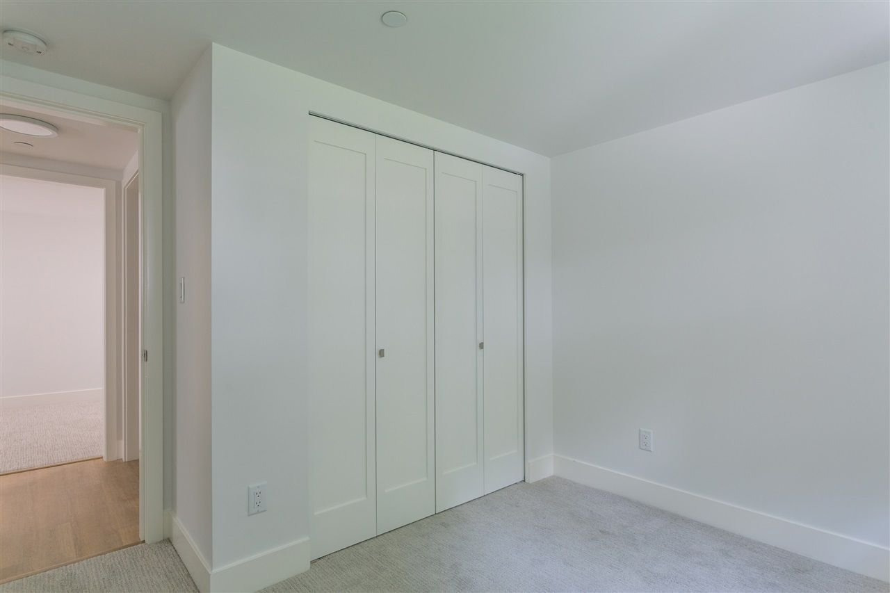 Photo 12: Photos: 5051 SHERBROOKE Street in Vancouver: Knight House for sale (Vancouver East)  : MLS®# R2516247