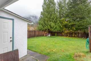 """Photo 18: 41318 KINGSWOOD Road in Squamish: Brackendale House for sale in """"Eagle Run"""" : MLS®# R2122641"""