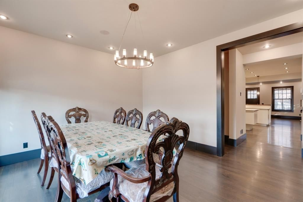 Photo 4: Photos: 610 22 Avenue SW in Calgary: Cliff Bungalow Semi Detached for sale : MLS®# A1094360