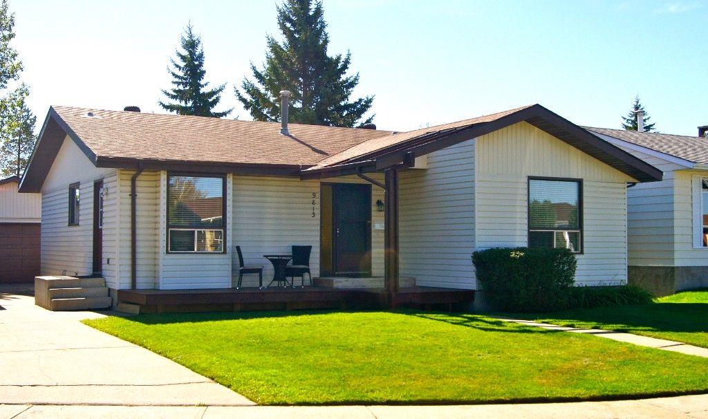Main Photo: 9813 167A Avenue NW: Edmonton House for sale : MLS®# E3315070