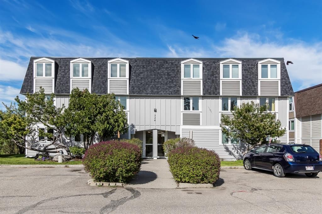 Main Photo: 304 324 Cedar Crescent SW in Calgary: Spruce Cliff Apartment for sale : MLS®# A1109788