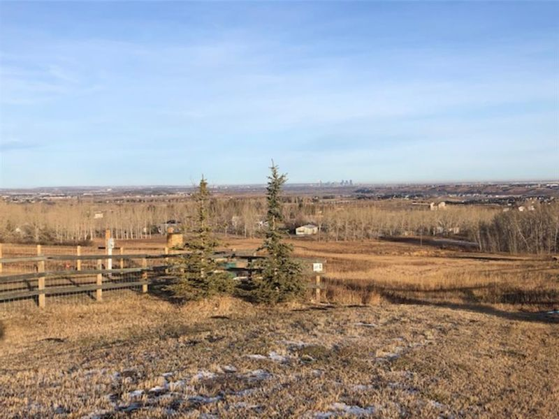 FEATURED LISTING: 91 - 16044 258 Avenue East Rural Foothills County