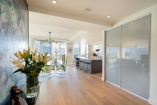 """Photo 3: 2701 1499 W PENDER Street in Vancouver: Coal Harbour Condo for sale in """"WEST PENDER PLACE"""" (Vancouver West)  : MLS®# R2614802"""