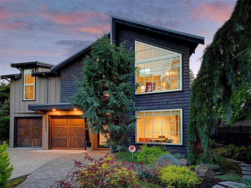 FEATURED LISTING: 2003 Runnymede Ave