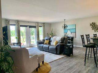 Photo 14: 214 Campbell Avenue West in Dauphin: Dauphin Beach Residential for sale (R30 - Dauphin and Area)  : MLS®# 202115875