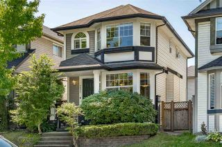 """Photo 2: 8693 206B Street in Langley: Walnut Grove House for sale in """"Discovery Town"""" : MLS®# R2479160"""
