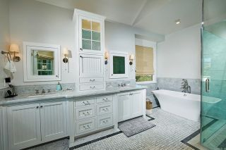 Photo 18: House for sale : 5 bedrooms : 1001 Loma Ave in Coronado