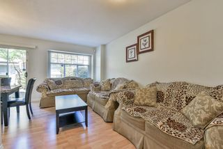 Photo 5: 102 9580 PRINCE CHARLES Boulevard in Surrey: Queen Mary Park Surrey Townhouse for sale : MLS®# R2295935