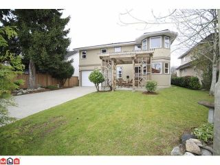Photo 2: 18578 64 Avenue in Cloverdale: Cloverdale BC House for sale : MLS®# F1209914