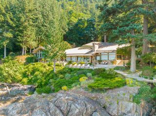"""Photo 32: 370 374 SMUGGLERS COVE Road: Bowen Island House for sale in """"Hood Point"""" : MLS®# R2518143"""