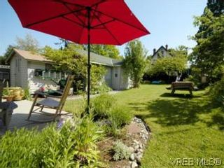 Photo 18: 1315 Balmoral Rd in VICTORIA: Vi Fernwood House for sale (Victoria)  : MLS®# 504233