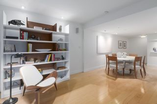 """Photo 4: 2411 W 1ST Avenue in Vancouver: Kitsilano Townhouse for sale in """"BAYSIDE MANOR"""" (Vancouver West)  : MLS®# R2408792"""